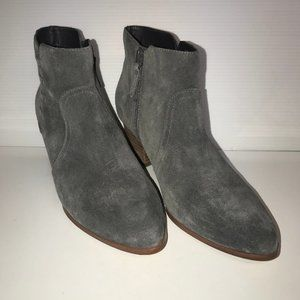 Violet & Red Casper Gray Leather Suede Booties
